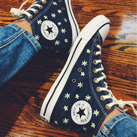 6be82c2e6849 Converse Shoes - NEW Embroidered Daisy High Top Converse